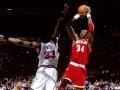 Hakims Olažuvans ir viens no NBA visu laika labākajiem centra spēlētājiem un visu laiku labākais līgas bloķētājs
