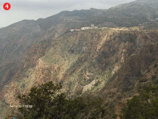 Taif kalni, kuri tā arī palika neiekaroti. Sakif cilts cilvēki, kuri apmetās Taif cietokšņos, paziņoja par savu islāmu vēlāk par pārējam ciltīm