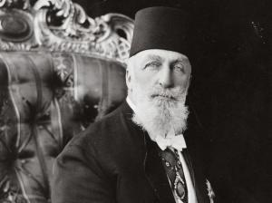 Abdülmecid II, pēdējais kalifs, kurš valdīja no 1922. līdz 1924. gadam.