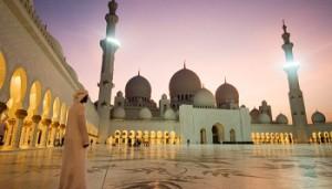 arab-boy-sheikh-zayed-mosque