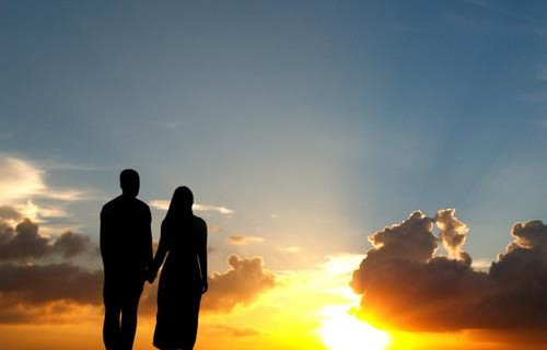 muslim-couple-and-sunset