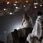 1412336550980_wps_7_Muslim_pilgrims_gather_on
