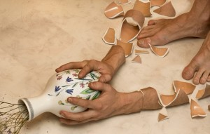 ceramics-pottery-broken-cracked-shattered-erik-johansson-vas
