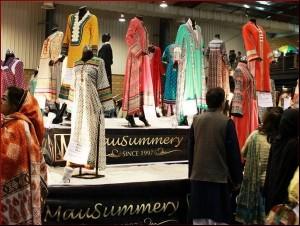 Mausummery-Lawn-Exhibition-Karachi-2013-2